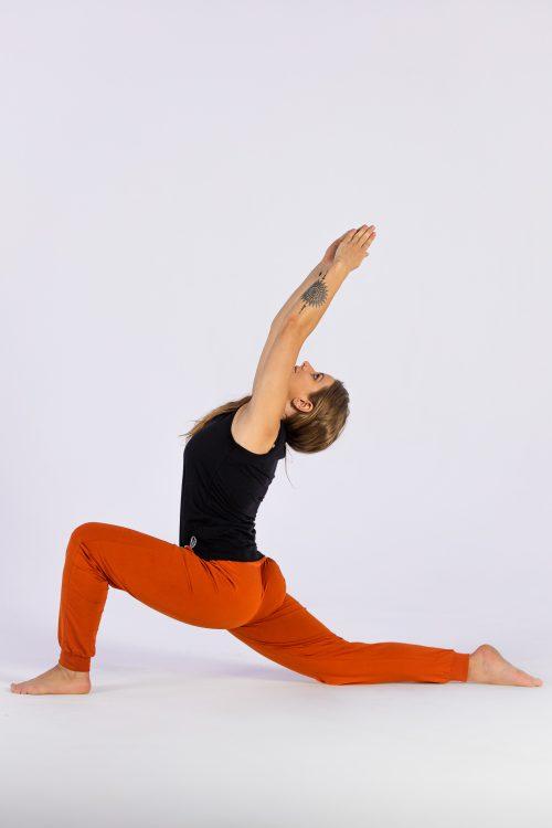 GOTS zertifizierte nachhaltige Yogahose aus Biobaumwolle